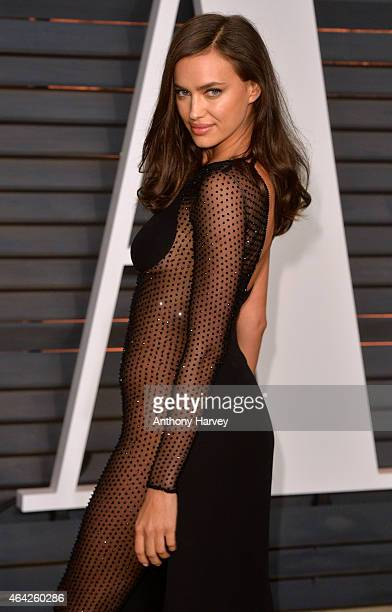 Irina Shayk arrives at the 2015 Vanity Fair Oscar Party Hosted By Graydon Carter at Wallis Annenberg Center for the Performing Arts on February 22...
