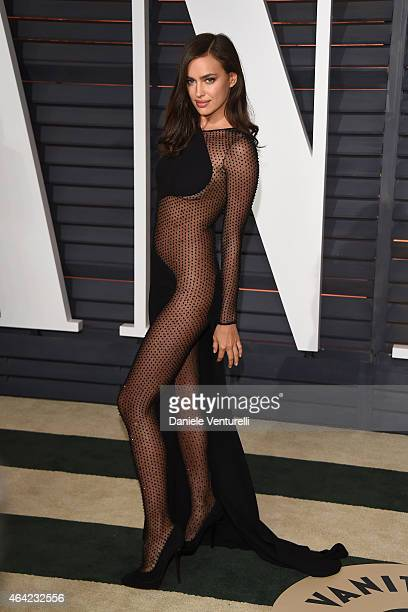 Irina Shayk attends 2015 Vanity Fair Oscar Party Hosted By Graydon Carter at Wallis Annenberg Center for the Performing Arts on February 22 2015 in...