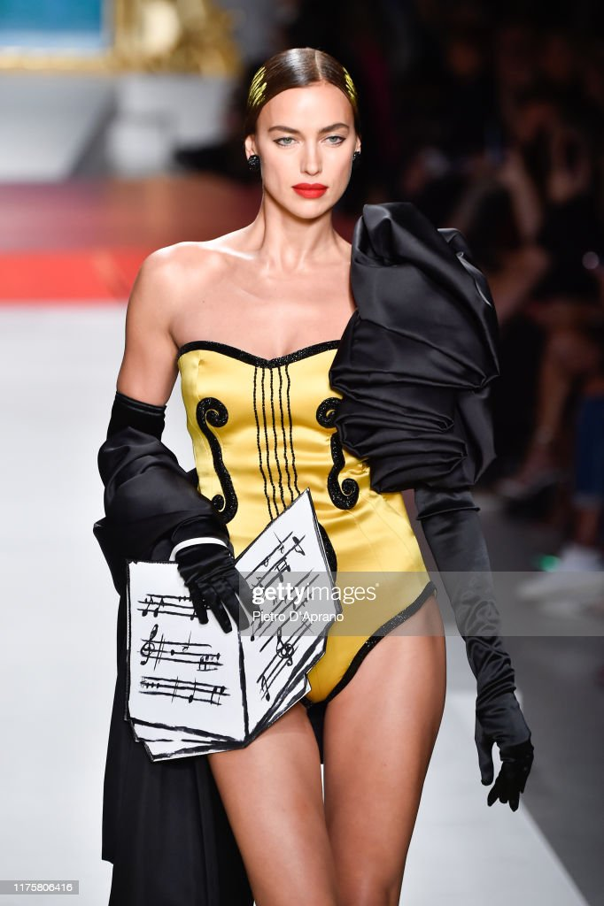 Moschino - Runway - Milan Fashion Week Spring/Summer 2020 : News Photo