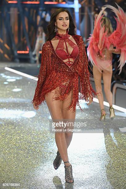 Irina Shayk walks the runway at the Victoria's Secret Fashion Show on November 30 2016 in Paris France