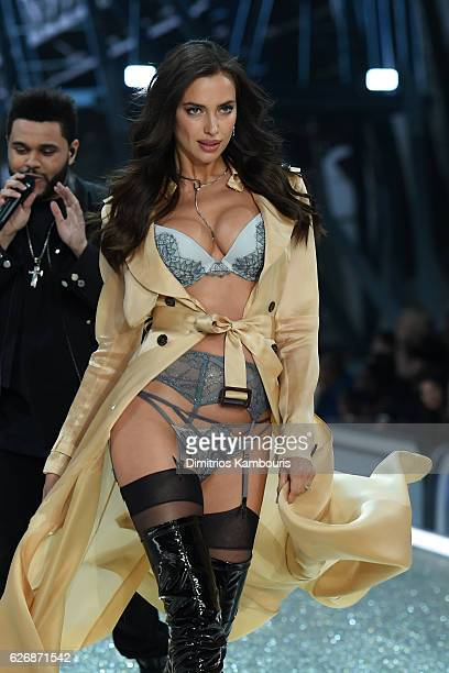 Irina Shayk walks the runway during the 2016 Victoria's Secret Fashion Show on November 30 2016 in Paris France