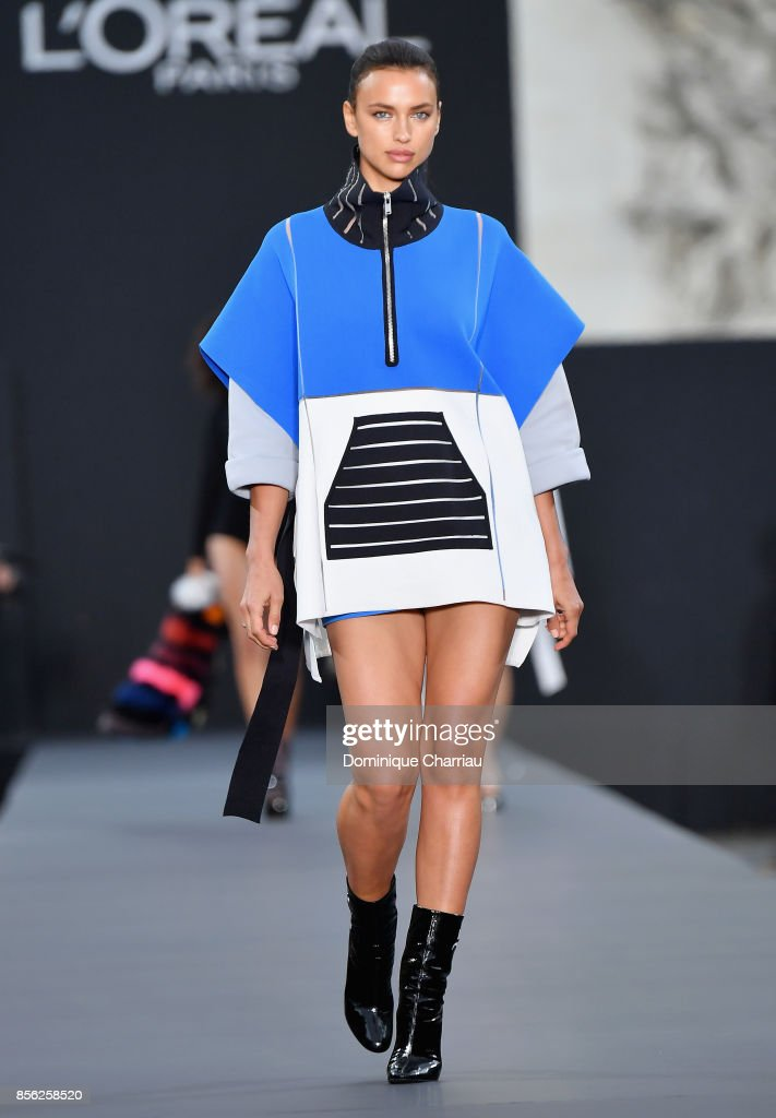 Irina Shayk walks the runway during the Le Defile L'Oreal Paris show as part of the Paris Fashion Week Womenswear Spring/Summer 2018 on October 1, 2017 in Paris, France.