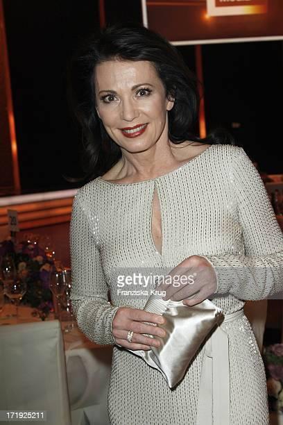 Iris Berben Bei Der Bambi Verleihung 2011 In Den Rhein Main Hallen In Wiesbaden