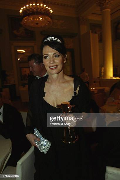 Iris Berben Bei Der Party Nach Der 39 Verleihung Der Goldenen Kamera Im Konzerthaus In Berlin Am 040204