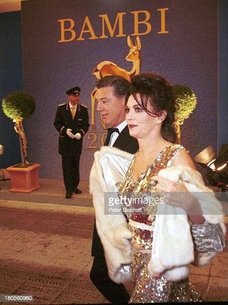 """Iris Berben, Lebensgefährte Gabriel Lewy,;""""Bambi""""-Verleihung, Berlin, Deutschland, Europa, Hotel;""""Estrel"""",. Abendgarderobe, Freund; Schauspielerin,"""