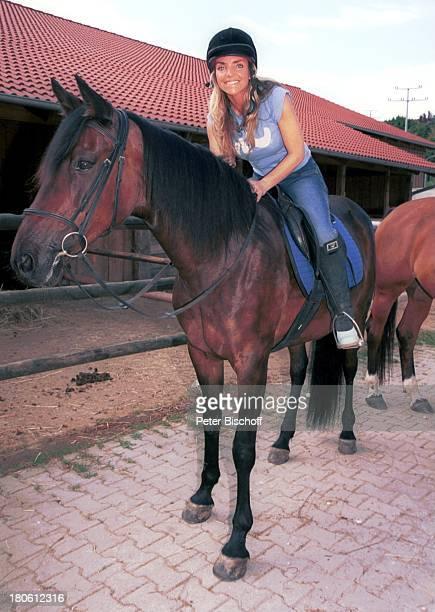 Iris Criens Miglied der Musikgruppe Wind Bad Abbach Reitausflug Pferd reiten Sport Tier Reiter PNR794/2002