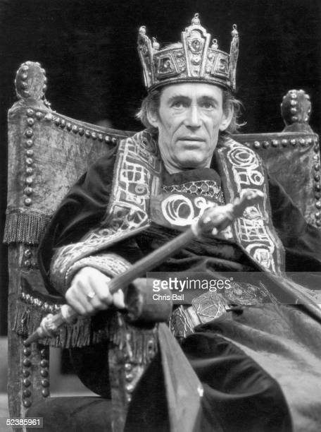 Irish actor Peter O'Toole plays the title role in a production of 'Macbeth' at the Old Vic 1st September 1980