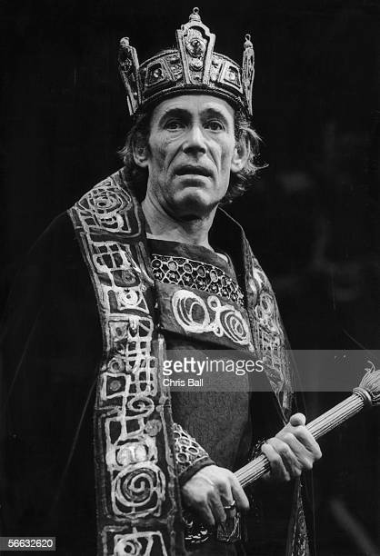 Irish actor Peter O'Toole plays the title role in a production of Shakespeare's 'Macbeth' at the Old Vic 1st September 1980