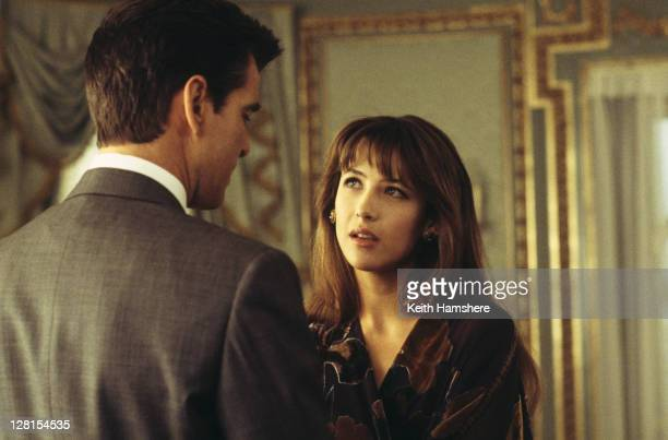 Irish actor Pierce Brosnan stars as 007 opposite French actress Sophie Marceau as Elektra King in the James Bond film 'The World Is Not Enough', 1999.