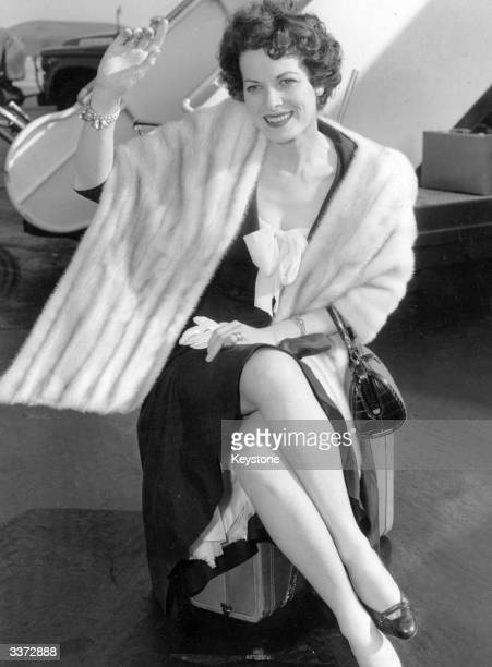Irish actress Maureen O'Hara in New York en route to Cuba where she is filming 'Our Man in Havana'