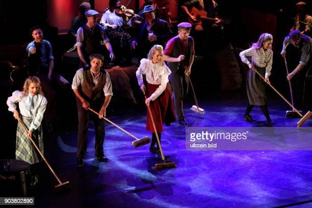 Irish Celtic gastiert mit ihrem Programm Spirit of Ireland vom 02 bis 04 Januar 2016 in der Philharmonie Köln Eine fünfköpfige traditionelle LiveBand...