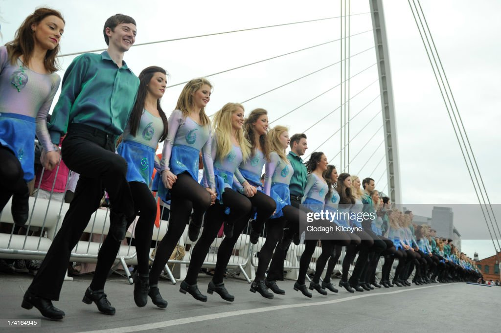 Irish dancers break the World Record for the number of dancers in a continuous line with a total of 1693 people from 44 countries Irish Dancing on the bank of the River Liffey to perform the Riverdance as part of the Gathering, a year-long tourism drive to entice people around the world with Irish links to visit the country on July 21, 2013 in Dublin, Ireland. The previous record of 652 people dancing in a continuous line was held by Nashville, Tennessee.
