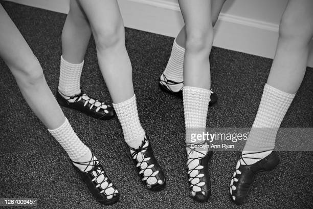 irish dancers in soft shoes - global awards stock pictures, royalty-free photos & images