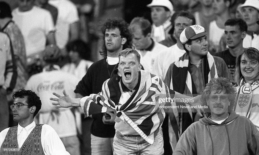 Ireland v England 1990 : News Photo