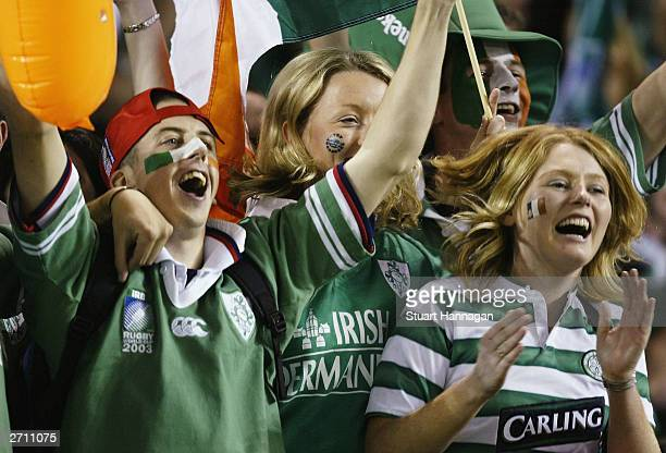 Irish fans cheer prior to the Rugby World Cup Quarter Final match between France and Ireland at Telstra Dome November 9 2003 in Melbourne Australia