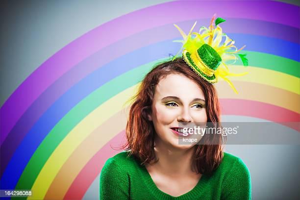 Jeune Irlandaise prêt pour la Saint-Patrick