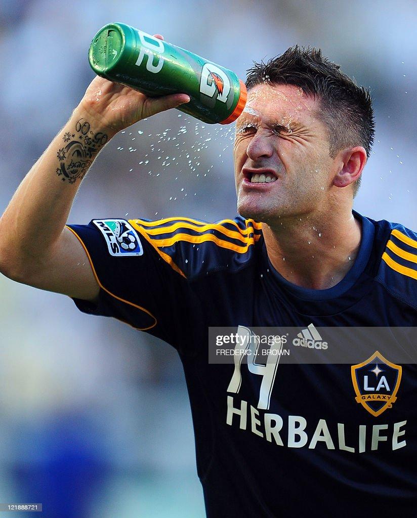 Irish international and LA Galaxy strike : News Photo