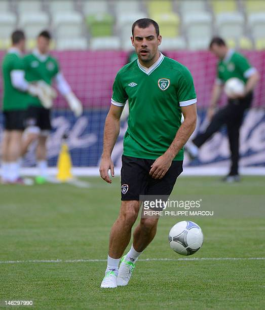 Irish midfielder Darron Gibson attends a training session in Gdansk on June 13 2012 during the Euro 2012 football championships AFP PHOTO/...