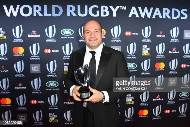 Irish national team captain Rory Best poses with the trophy of the World Rugby Team of the Year during the World Rugby Awards on November 25 2018 at...