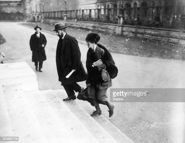Irish Nationalist Countess Constance Georgine Markiewicz arrives with Joseph McGuinness for a Dail Eireann meeting at Dublin University December 1921...