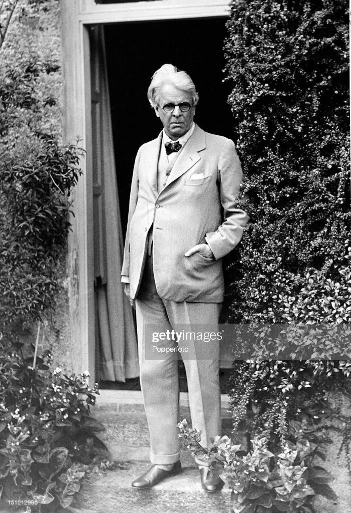 Irish poet and playwright and Nobel Prize winner WB Yeats, circa 1930.