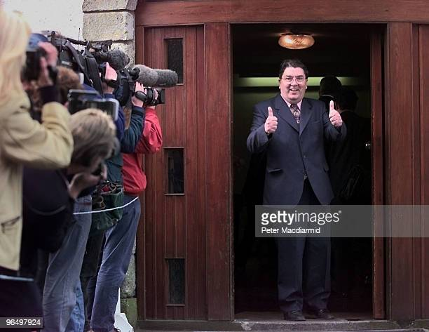 Irish politician John Hume gives a thumbs up during the Northern Ireland Belfast Agreement referendum 21st May 1998