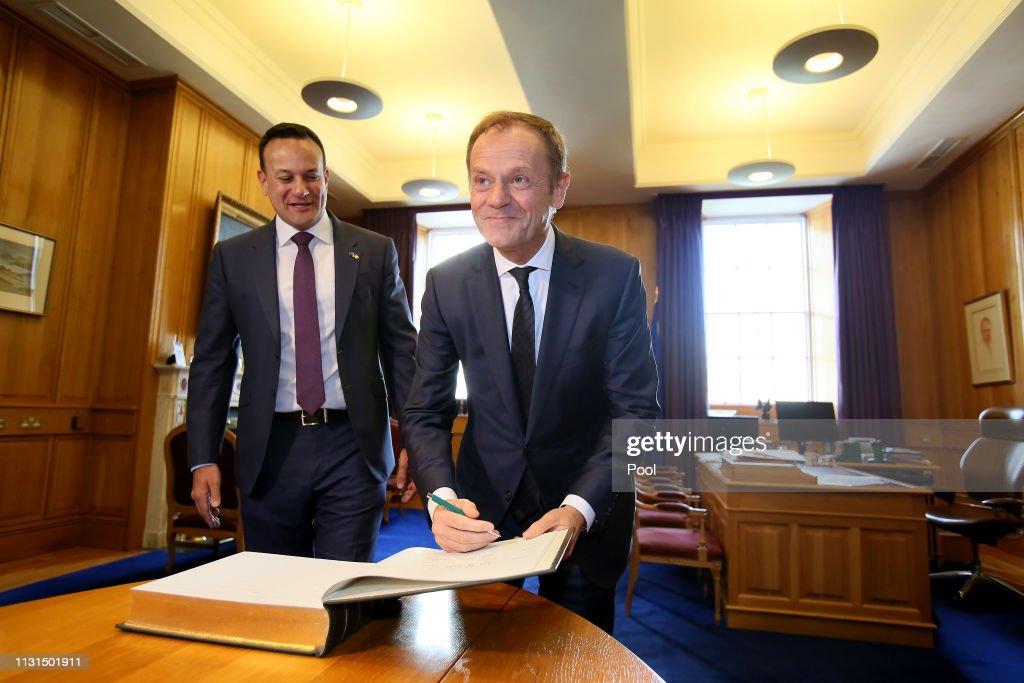 EU Commission President Donald Tusk Meets Ireland's Taoiseach Leo Varadkar : ニュース写真