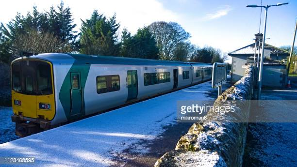 irish rail, iarnród éireann in small station - rail transportation stock pictures, royalty-free photos & images
