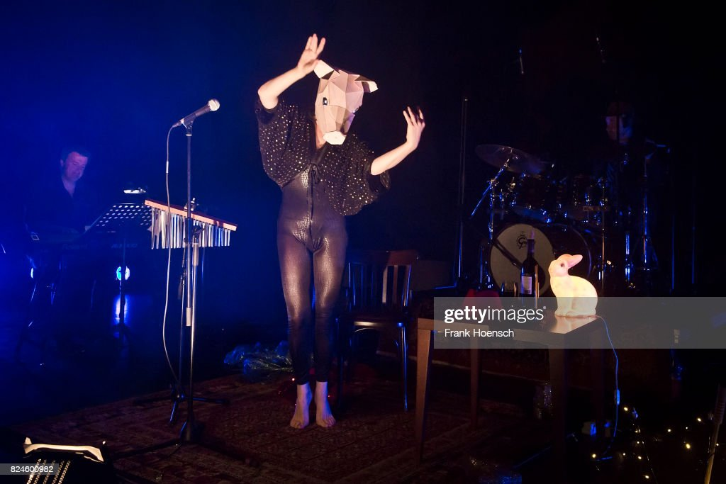 Camille O'Sullivan Performs In Berlin