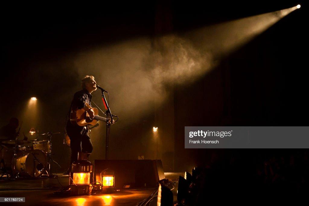 Glen Hansard Performs in Berlin