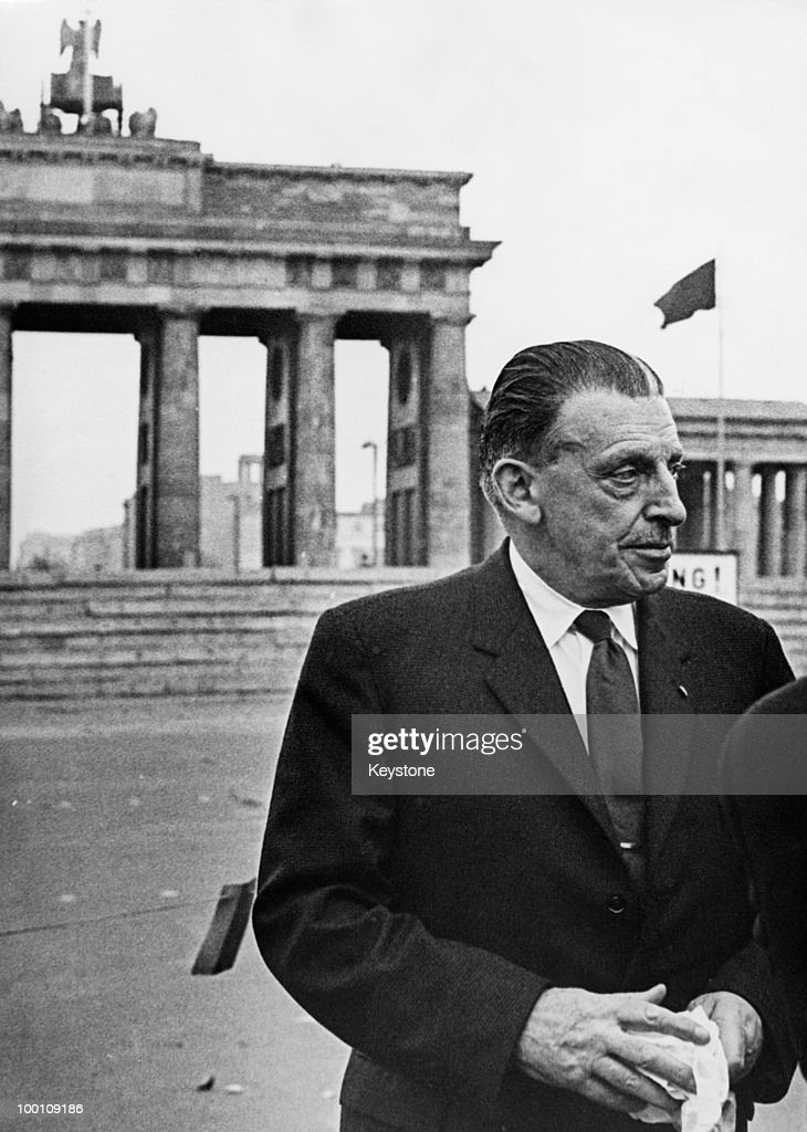 Irish Taoiseach Sean Lemass (1899 - 1971) at the Brandenburg Gate, during an official visit to Berlin, 29th October 1962.