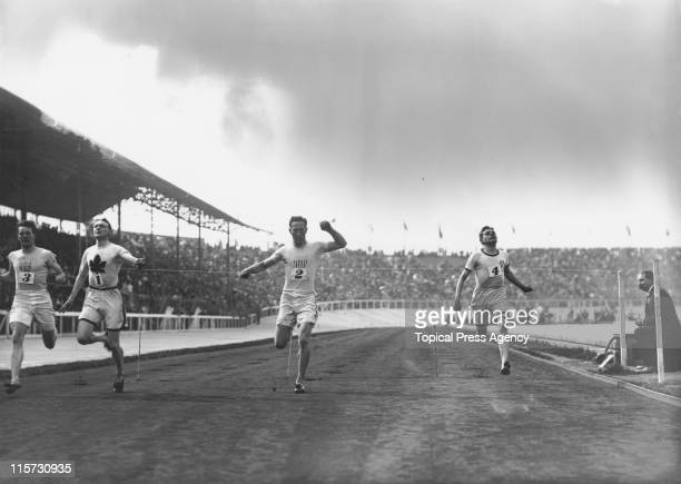 IrishCanadian athlete Robert Kerr wins the 200 metres at White City Stadium during the 1908 Summer Olympics in London 23rd July 1908