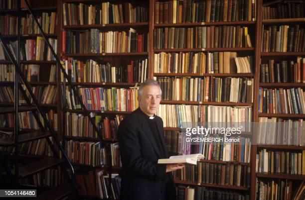 Irlande du Nord mars 1988 Rendezvous avec le père Alec REID du monastère de Clonard à Belfastouest qui a tenté de ranimer un des deux soldats...