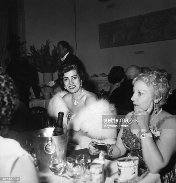 Irène Papas au 'Bal des petits lits blancs' au palais de Chaillot à Paris, France, le 21 mai 1952.
