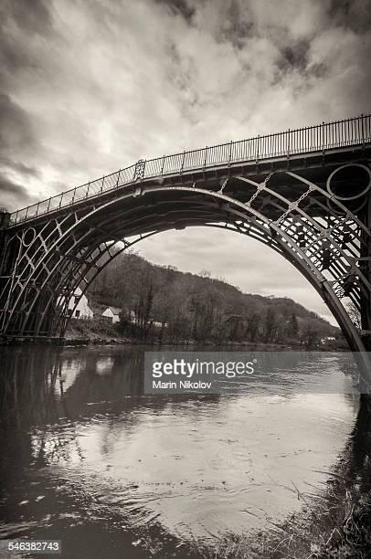 iron bridge - telford - ironbridge shropshire stock pictures, royalty-free photos & images