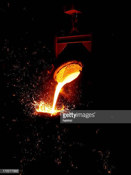 fusione del ferro - ferro foto e immagini stock