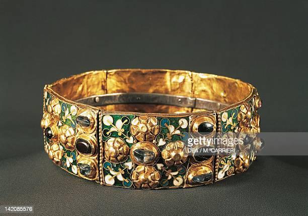 Iron crown 9th century Goldsmith's art Longobard civilization