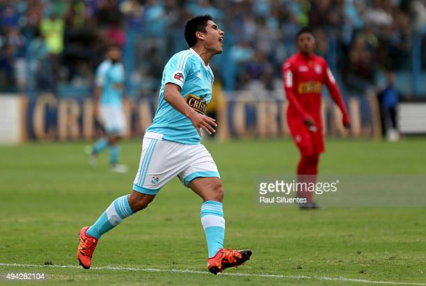 Irven Avila of Sporting Cristal celebrates after scoring the third and winning goal of his team against Juan Aurich during a match between Sporting...