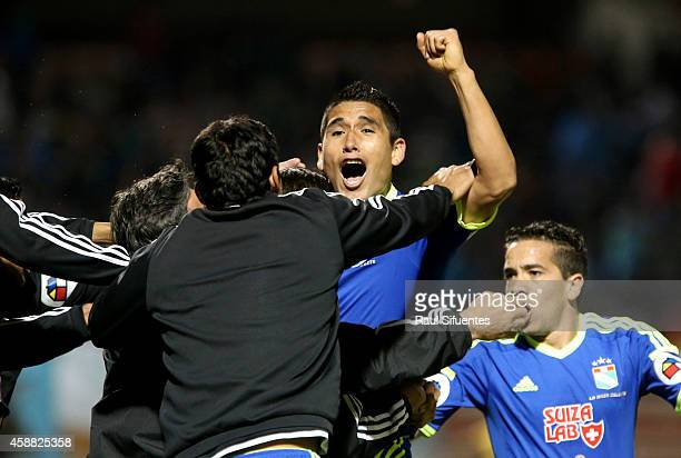 Irven Avila of Sporting Cristal celebrates the first goal of his team against Sport Huancayo during a match between Sport Huancayo and Sporting...