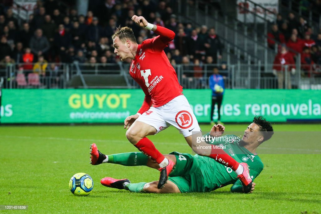 Irvin CARDONA Of Brest And William SALIBA Of Saint Etienne During The News Photo Getty Images