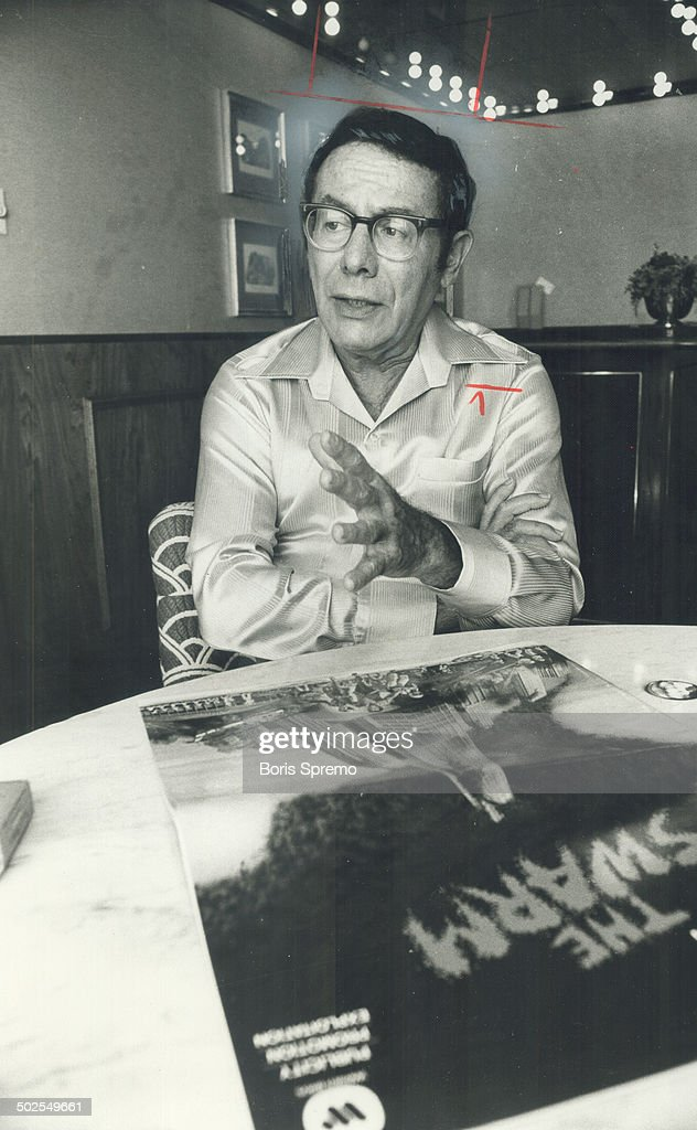 Irwin Allen. The Swarm has a message : News Photo