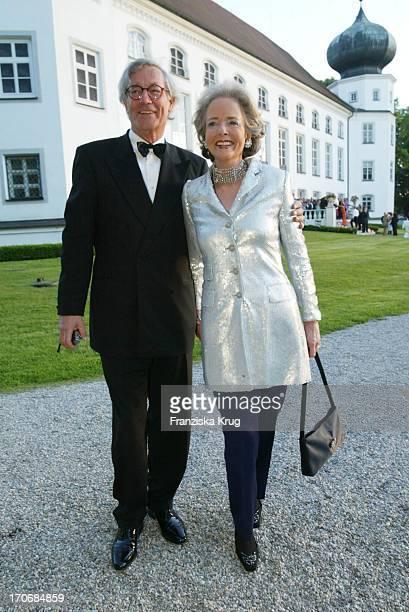 Isa Gräfin Von Hardenberg Ehemann Andreas Graf Von Hardenberg Beim Sommerfest ' Pop Meets Classic' Von Gräfin Von Pfuel Am 240503 Auf Schloss...