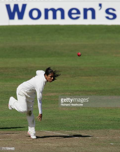 Isa Guha of England bowls during the 2nd npower Test between England Women and India Women at the County Ground on August 29 2006 in Taunton England