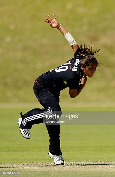 Isa Guha of England bowls during the Limited Overs Women's match between Western Australia and England at Floreat Oval on January 3 2011 in Perth...