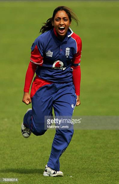 Isa Guha of England in action during the Fifth One Day International match between England and New Zealand at Blackpool Cricket Club on August 27...