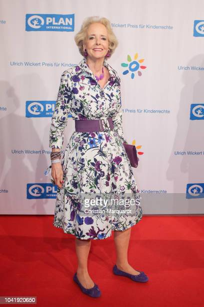 Isa von Hadenberg attends the Ulrich Wickert and Peter SchollLatour award at Bar jeder Vernunft on September 27 2018 in Berlin Germany