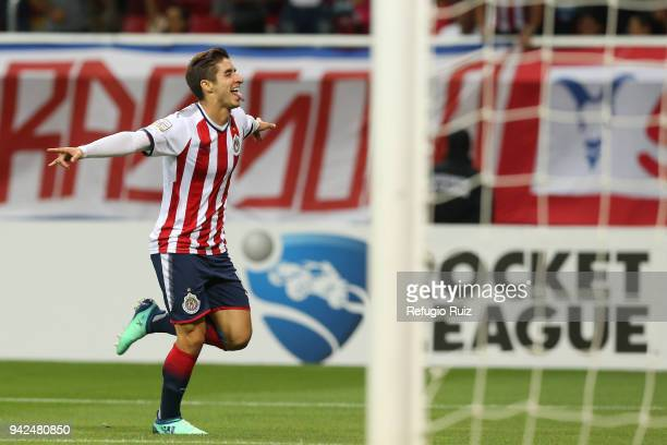 40876294821 Isaac Brizuela of Chivas celebrates with teammates after scoring the first  goal of his team during