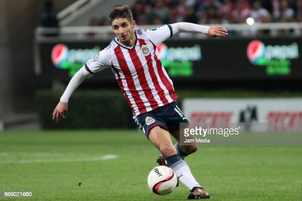 Isaac Brizuela of Chivas drives the ball during the quarter final match between Chivas and Atlante as part of the Copa MX Apertura 2017 at Chivas...