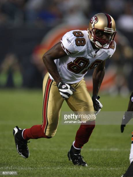 Isaac Bruce of the San Francisco 49ers runs a play during a game against the Chicago Bears on August 21 2008 at Soldier Field in Chicago Illinois The...