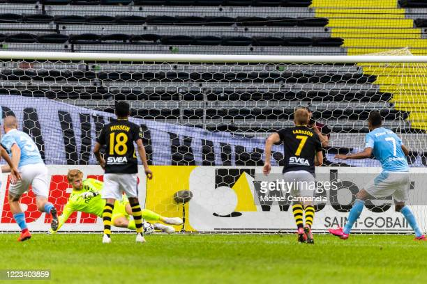 Isaac Kiese Thelin of Malmo FF takes a penalty during an Allsvenskan match between AIK and Malmo FF at Friends Arena on June 28, 2020 in Solna,...